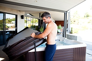 hot-tub-cover-lifter-easy-operation-open-close-spa-02